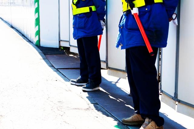 駐車場の警備員スタッフ