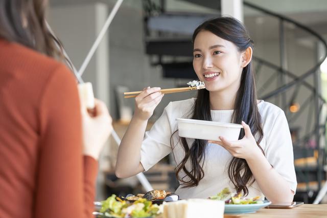 お弁当を持っていくとどのくらい節約できる?おすすめ節約レシピご紹介